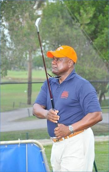 Lewis_golf
